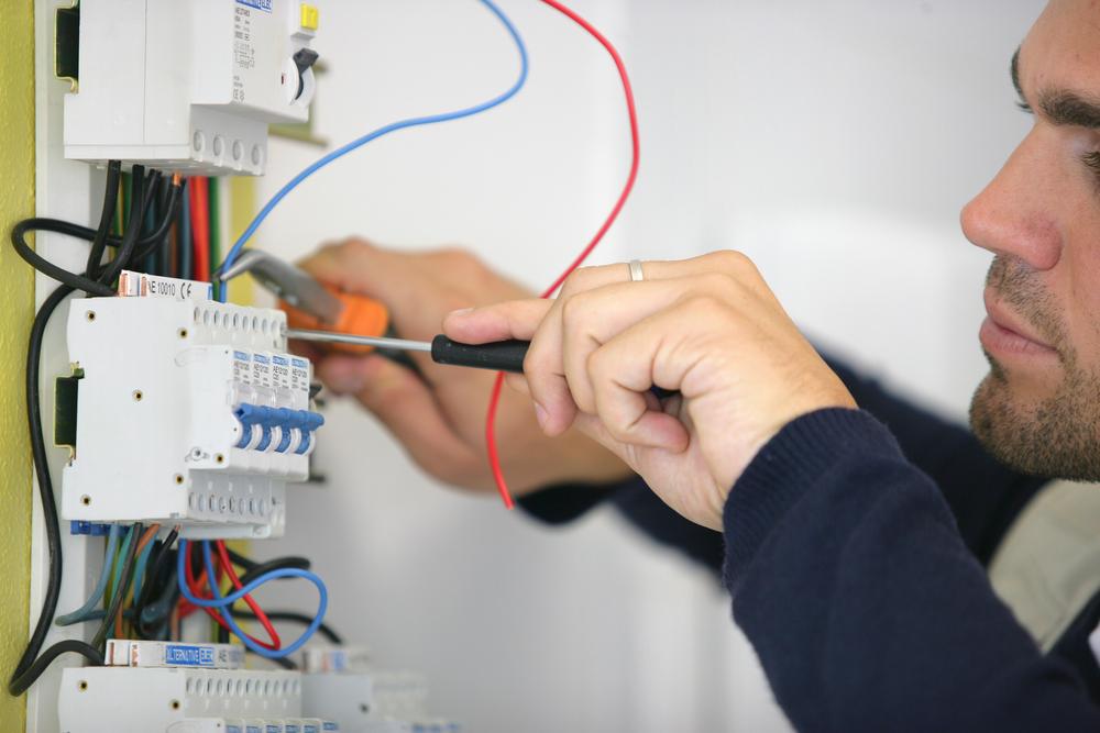 Elettricista impianti Milano